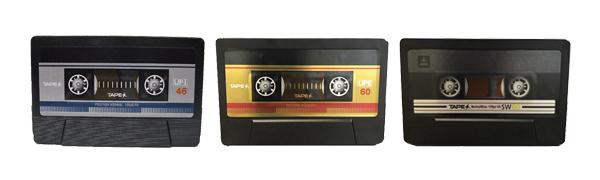 カセットテープ型バッテリーチャージャー