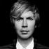 米シンガー・ソング・ライター、ベック(Beck)がグラミー3部門を獲得した前作から約3年半振りのアルバムを発売