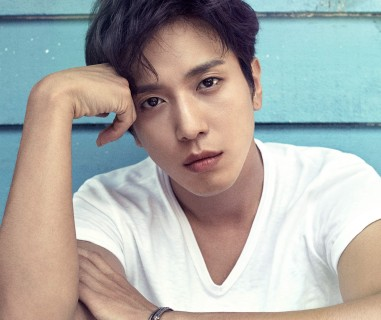 Jung Yong-Hwa (CNBLUE)