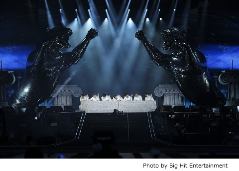 BTS(防弾少年団)、アメリカ ローズボールスタジアムで「LOVE YOURSELF: SPEAK YOURSELF」ツアー開幕。2日間で12万人動員