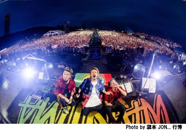 WANIMA、集まった2万人に100万リットルの大放水。「WANIMA x S2O JAPAN Good Job!! Release Party~カオス!!ギネス!?日本初!!~」終了