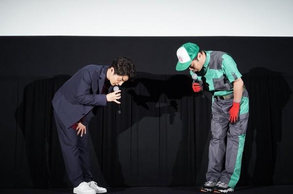 星野源、主演映画『引っ越し大名!』大ヒット記念イベントに登壇。引っ越し業者に扮した藤井隆がサプライズ登場