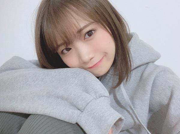 秋元真夏(乃木坂46)、ソロ2nd写真集「しあわせにしたい」発売記念 ...
