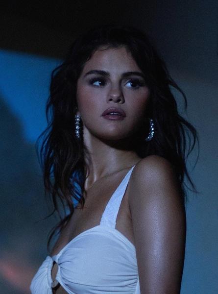 "Selena Gomez(セレーナ・ゴメス)、スペイン語EP『Revelación』収録の新曲""De Una Vez ..."