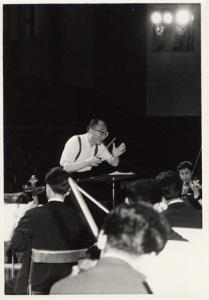 荒谷正雄(指揮)、札幌交響楽団