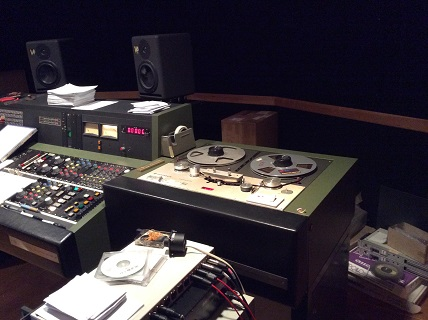 テープレコーダーと調整卓