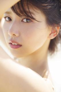 欅坂46 渡邉理佐 1st写真集 「タイトル未定」