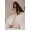世界が恋する情熱の歌姫=Camila Cabello(カミラ・カベロ)待望の新作『ロマンス』